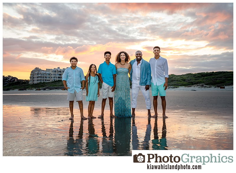 family of 6 smiling for pictures on Kiawah Island