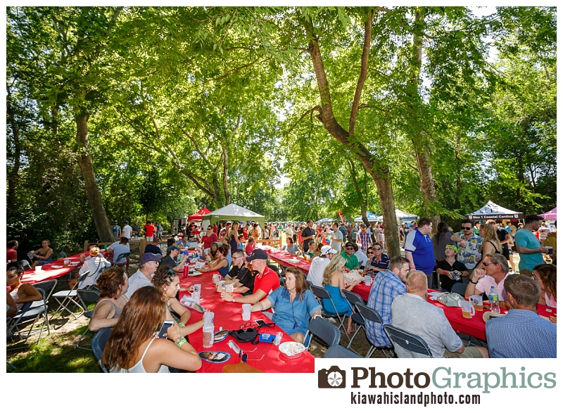 Eating food at the Charleston Beer Garden - Event Photography