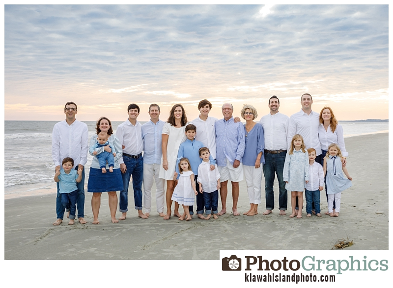 Large extended family at the beach on Kiawah Island, family beach photography Kiawah Island